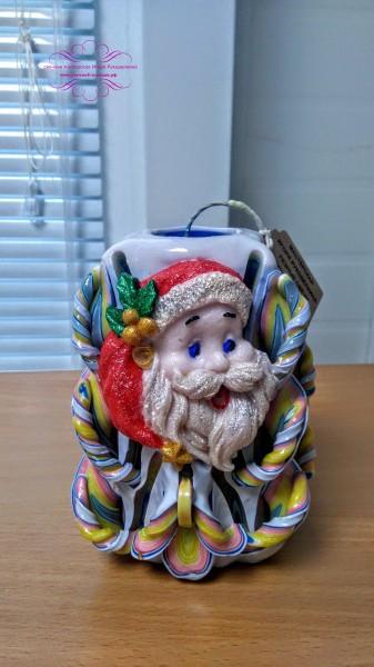 Резная свеча с Дедом Морозом.